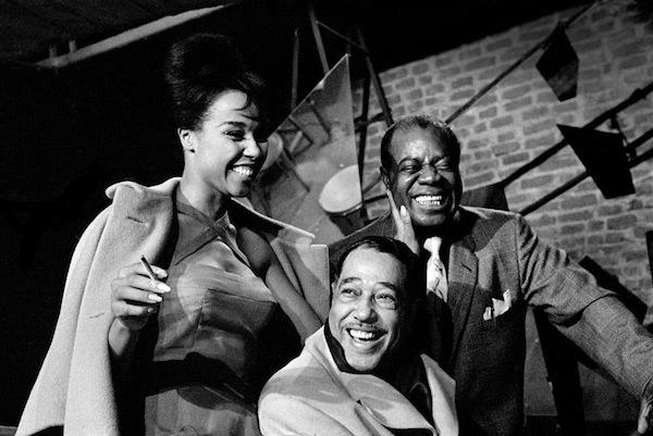 Diahann Carroll, Duke Ellington ve Louis Armstrong, 1960 yılında Paris'te...
