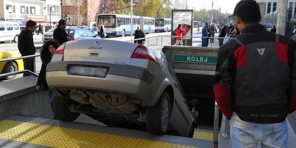 ek_metro-girisini-otopark-sandi