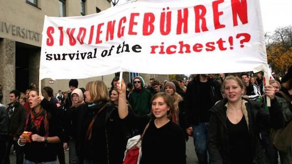 Üniversite öğrencilerinin 2009 yılında, Münih'te düzenlediği paralı eğitimi protesto gösterisi.